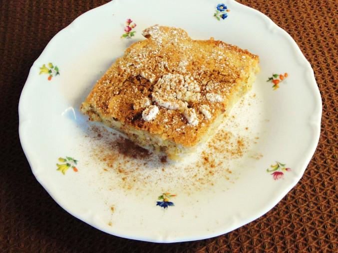 Mandlový koláč s rebarborou