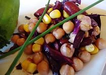 Salát z cizrny a fazolí