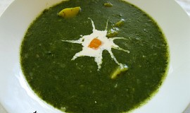 Špenátová polévka s dýní hokkaidó