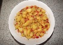 Bramborovo-rajčatový salát