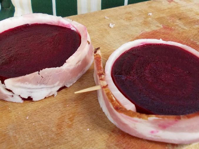 Červená řepa ve slanině a hořčično-medové marinádě