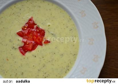 Italská krémová cuketová polévka