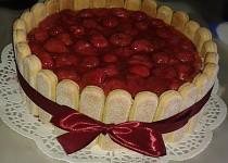 Jahodový dort s cukrářskými piškoty