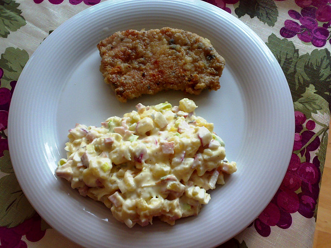 Jarní bramborový salát, + Vepřová kotleta v hořčično-bylinkové marinádě