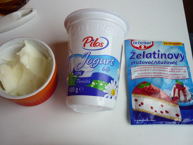 Jogurtové nočky se švestkovou omáčkou