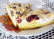 Kolektivní koláč  aneb koláč jardy Kadice s náplní od tejaji  a žmolenkou od Helly