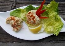 Okatá pomazánka se syrovátkovým sýrem a vajíčky