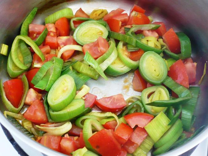 Rajčatovo-cuketová polévka