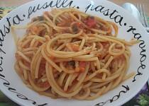 Špagety s rajčatovou omáčkou z jednoho hrnce
