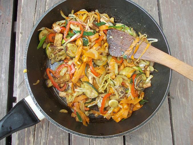 Tarhoňa se zeleninou a tofu
