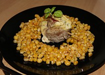 Vepřové šneky s máslovou kukuřicí