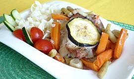 Vepřový plátek na zelenině s kapary