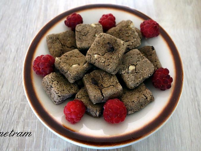 Žaludovo-čirokové sušenky bez lepku, mléka a vajec