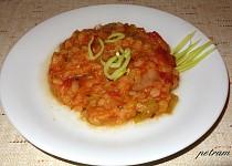 Červená čočka v zelenině