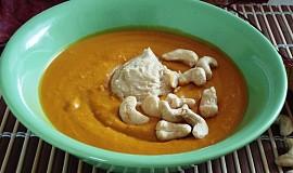 Dýňová polévka s máslem z kešu ořechů