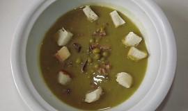 Hrášková polévka z uzených žebírek