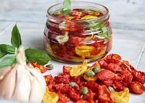 Naložená sušená rajčata (ze sušičky)