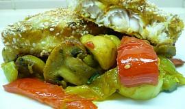 Pečené filety z candáta v jogutru a sezamu