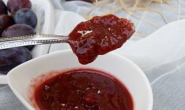 Pikantní švestkové chutney