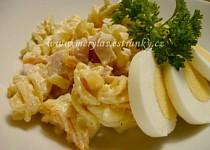 Těstovinový salát se šunkou a kořenovou zeleninou