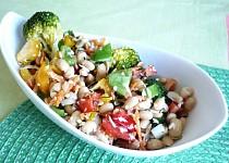 Zeleninový salát se sójou a křenem