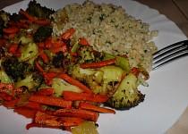 Česnekový bulgur s pečenou zeleninou