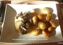 Jehněčí steak s česnekovým máslem a grilované brambory