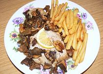 Kapr na houbách s vlašskými ořechy – rodinný recept sokolnického rybáře