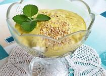 Ovocný dezert s kurkumou
