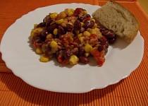 Tuňákový salát s fazolemi