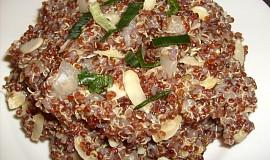 Zázvorová červená quinoa s mandlemi