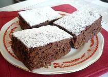 Kakaový koláč s kysaným zelím