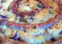 Mangoldový koláč s vinnou klobásou