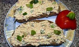 Pomazánka  sýrovo vaječná se salámkovou příchutí