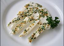 """""""Šmakoun"""" s citronovým pepřem a petrželkou à la bílek v přestrojení"""