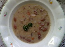 """Svačinová fazolová polévka ze """"Šlajfu"""""""