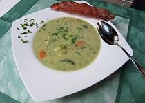 Zeleninová polévka se slaninovou křupinou