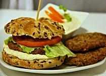 Domácí burger s tuňákovými placičkami