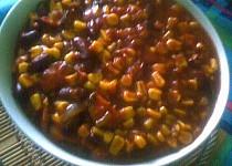 Fazole s klobásou a kukuřicí na mexický způsob