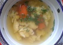 """Jednoduchá krůtí  polévka s noky ze """"Šlajfu"""""""
