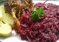Karamelizované kysané červené  zelí s brusinkami.