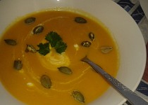 Krémová polévka z pečené mrkve a zázvoru