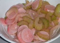 Marinovaná ředkvička s řapíkatým celerem