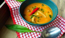 Polévka z hlívy s fazolemi a medvědím česnekem