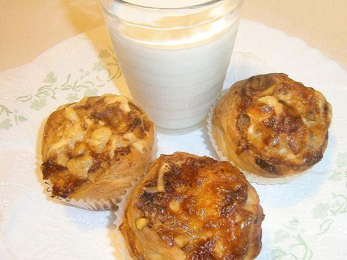 Slané kynuté muffiny se sýrem a se škvarky