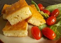 Slaný koláč se sýrem
