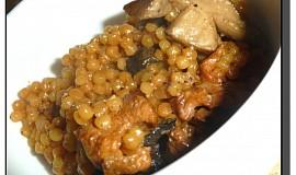 Tarhoňa s kuřecím masem na houbách