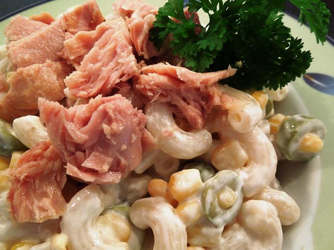 Těstovinovo – tuňákový salát