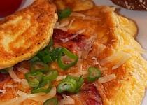 Vaječná omeleta s parmazánem a pršutem