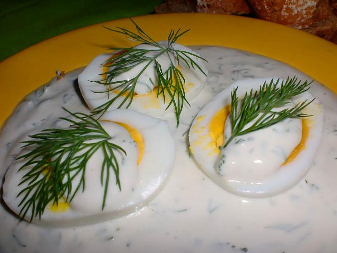 Vejce s jarní omáčkou
